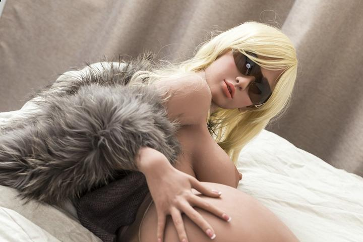 Roxy Sex Doll Will Create A Miracle For Your Personal Happiness
