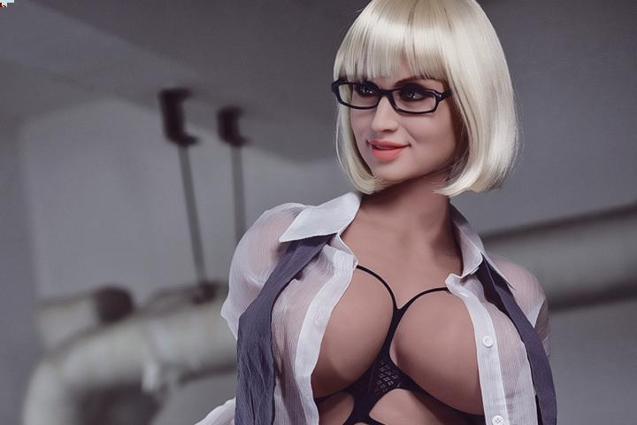 Lesbian Sex Doll Are Getting More And More Popular