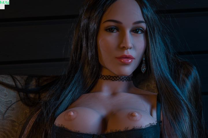 Swx Doll Induce People To Have Sex With Her